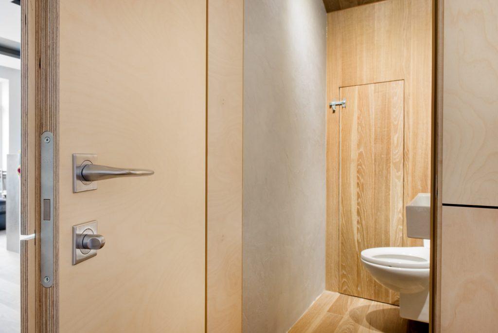 Шкафы для ванной комнаты и туалета