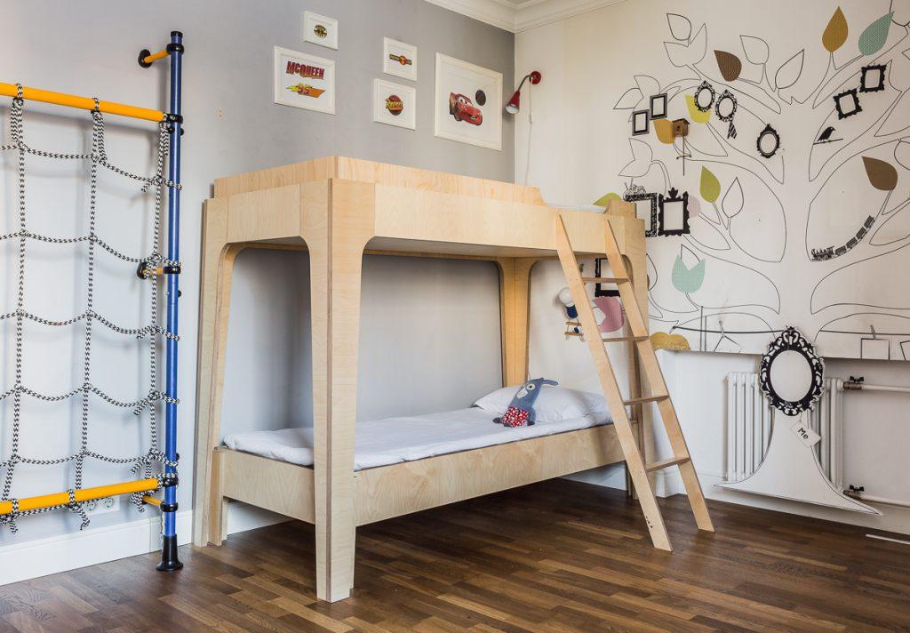 Двухъярусная детская кровать из фанеры